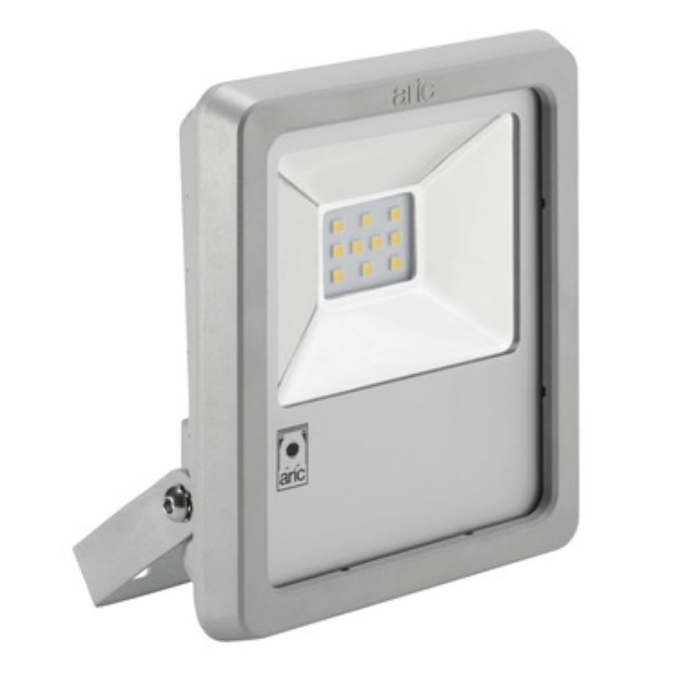 Aric - ARI50407 - ARIC 50407 - Projecteur Extérieur LED IP65 IK08, gris, symétrique, faisceau 110DEG, LED CREE MHB intégrée 45W 4000K, flux sortant 4600 lumens
